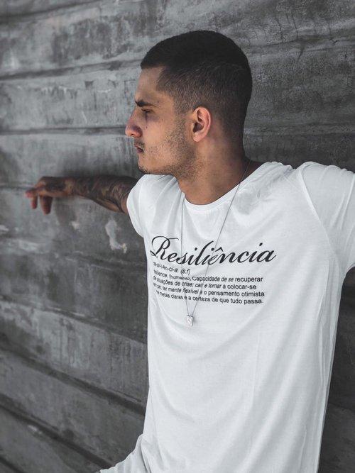 Camiseta Resiliência Branca